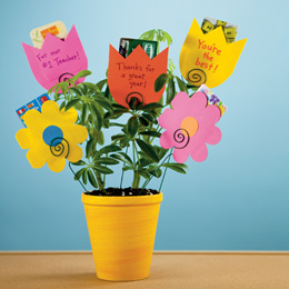 Last minute teacher appreciation gifts to create 247 moms gift card bouquet negle Choice Image