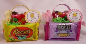 Diy edible easter baskets 247 moms these edible easter baskets using hershey chocolate eggs and resses eggs make fun party favors classmate teacher or neighbor gifts or are fun for the negle Image collections