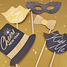 fun cute and sparkly new years celebration photo props all you do is print and attach to a stick create a backdrop for photos and your set