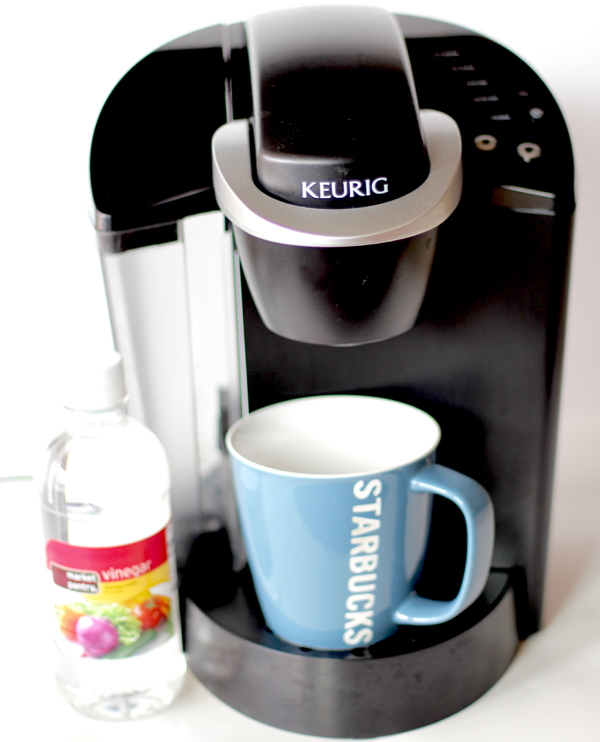 MOM Tip: How to Clean Your Keurig Coffee Maker with Vinegar - 24/7 Moms