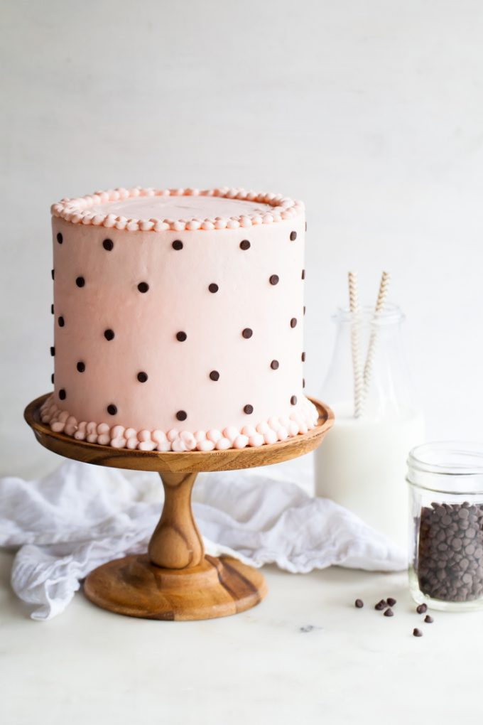 12 Quick and Easy Cake Decorating Ideas - 24/7 Moms