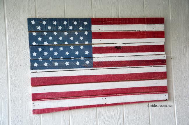 DIY Wood Pallet American Flag - 24/7 Moms