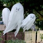 MOM Tip: DIY Hanging Halloween Ghosts