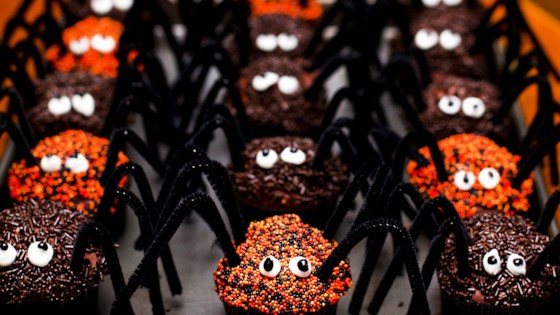 spooky Halloween dessert treats