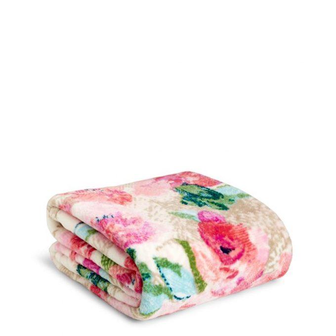 MOM Deal  Vera Bradley Throw Blankets  24.50 - 24 7 Moms 92e40cd721399